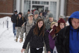 011613-Snowy-day-on-campus_silverman_499